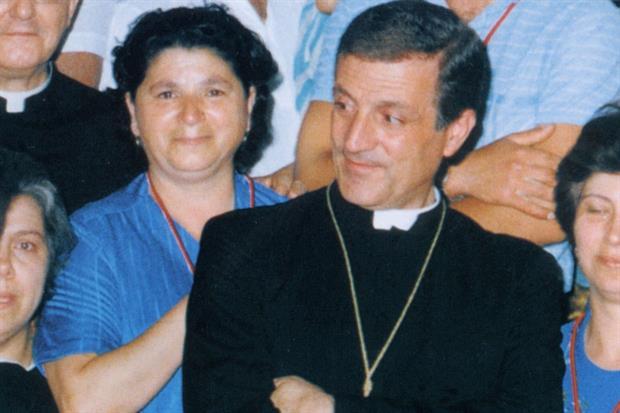 Un'altra immagine del vescovo di Molfetta