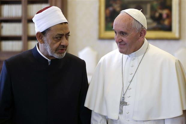 Lunedì 23 maggio 2016 papa Francesco ha ricevuto in udienza lo sceicco professor Ahmad Muhammad al-Tayyib