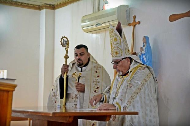 L'arcivescovo Moshe benedice l'altare donato dal terzo reggimento alpini
