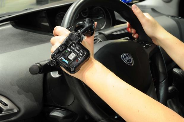 Uno dei sistemi tecnologici di ausilio alla guida per chi ha menomazioni fisiche