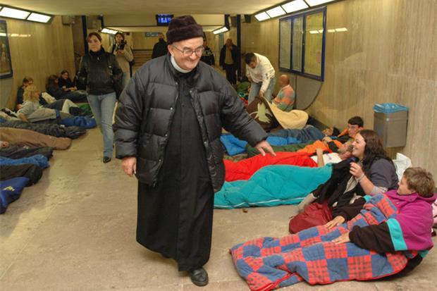 Per i senza tetto ha aperto le Capanne di Betlemme. Qui ha vissuto gli ultimi giorni