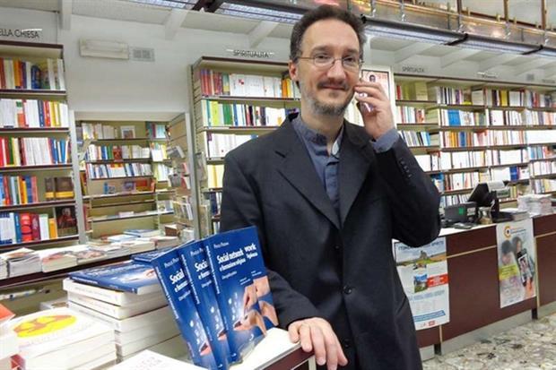 Don Paolo Padrini, il sacerdote della diocesi di Tortona esperto del mondo digitale e ideatore dell'App iBreviary