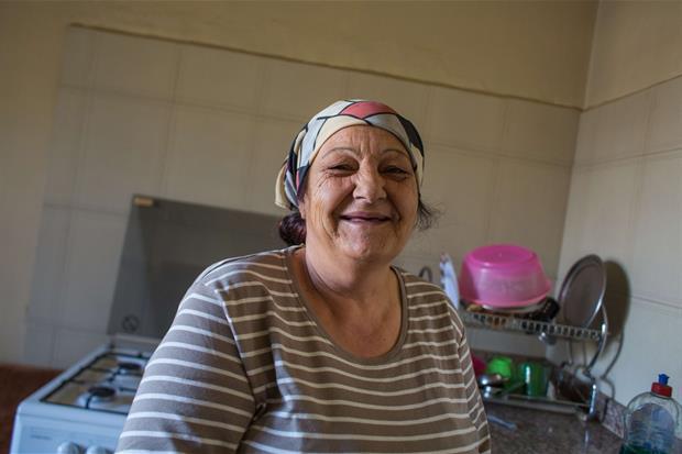 Al-Mansoura, Valle della Bekaa, Beirut. Teresa nella cucina della sua casa (foto Arianna Pagani)