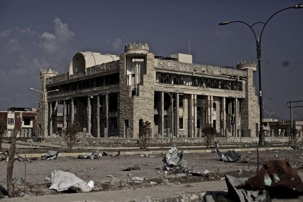 Edificio della Municipalità sventrato a Mosul Est (Battaglia)