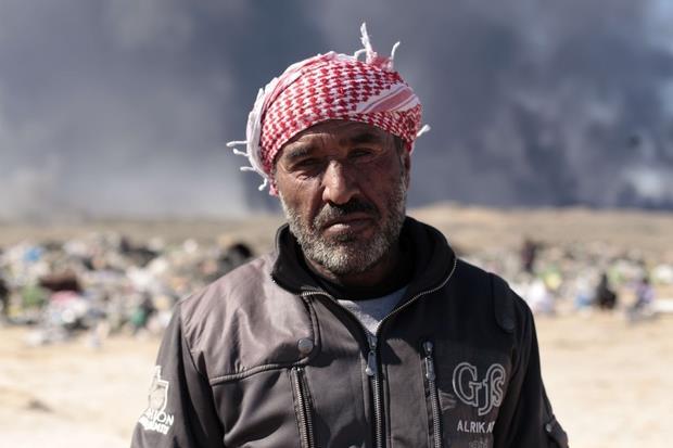 Hassan Ali, spazzino a Mosul Sotto (Battaglia)