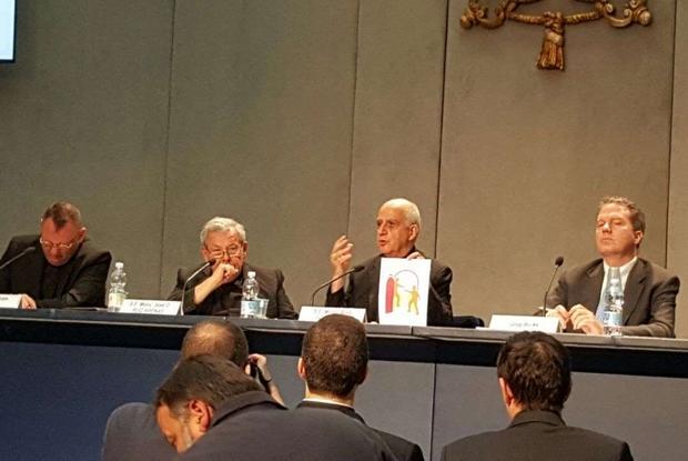 La presentazione, con monsignor Fisichella, del Messaggio del Papa per la Giornata mondiale dei Poveri