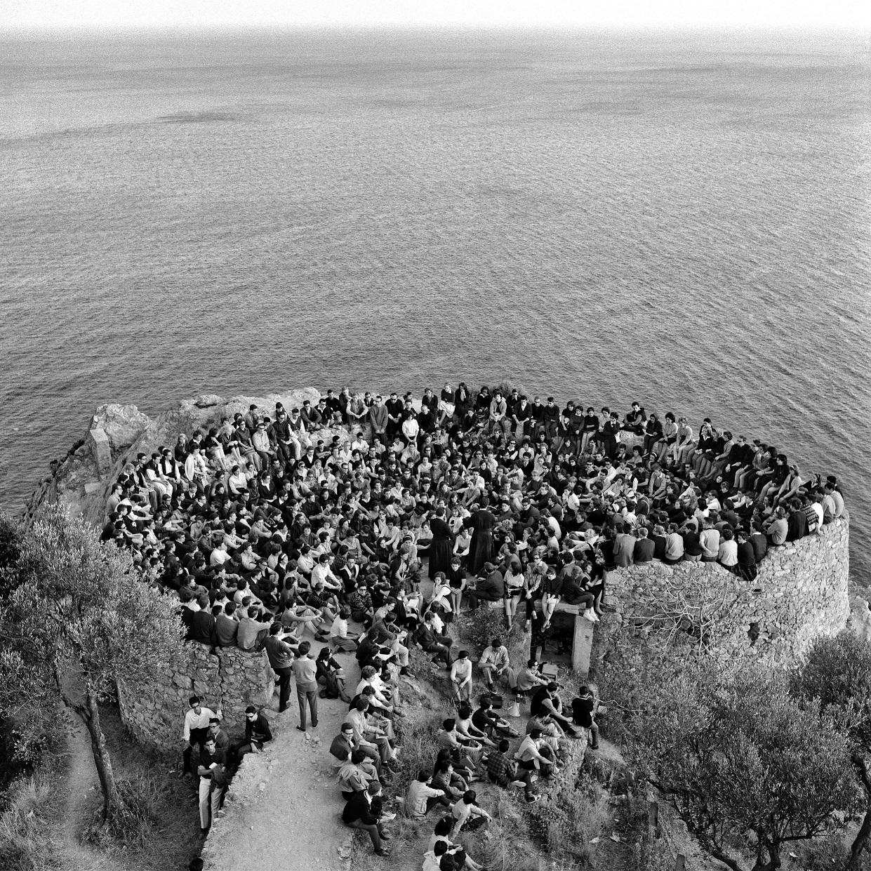 Un momento dei ritiri di Gioventù studentesca a Varigotti, 1965 (© Elio Ciol)