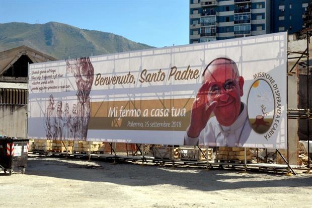 Palermo accoglie papa Francesco (Fotogramma)