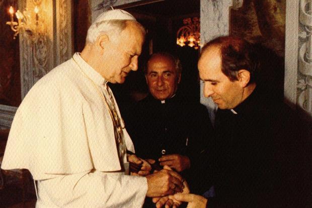 Giovanni Paolo II con padre Pino Puglisi