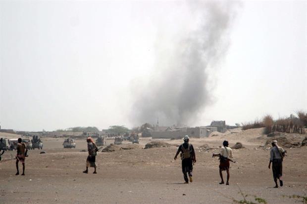 Truppe e miliziani della coalizione saudita avanzano nella provincia di Hodeidah (Ansa)
