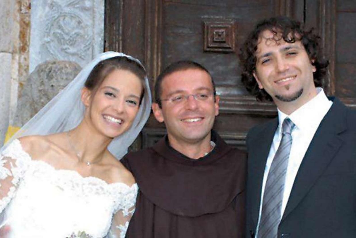 Padre D'Amato con Chiara e il marito Enrico