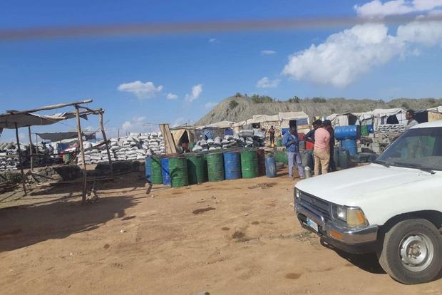 Il mercato a cielo aperto di Merhano, alle porte dell'Asmara, dove dalla fine dell'embargo arriva merce di ogni tipo dal vicino Tigray