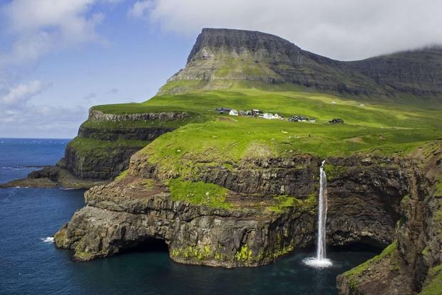 Il paesaggio delle Fær Øer che oggi godono di una parziale autonomia (Stefan Wisselink)