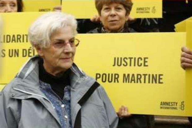 Martine Landry, attivista di Amnesty, sarà in Tribunale a Nizza, in Francia, il 14 febbraio: è sotto accusa per 'aver facilitato l'entrata in Francia di due minori stranieri in situazione irregolare' attraverso la frontiera di Ventimiglia. (Twitter)