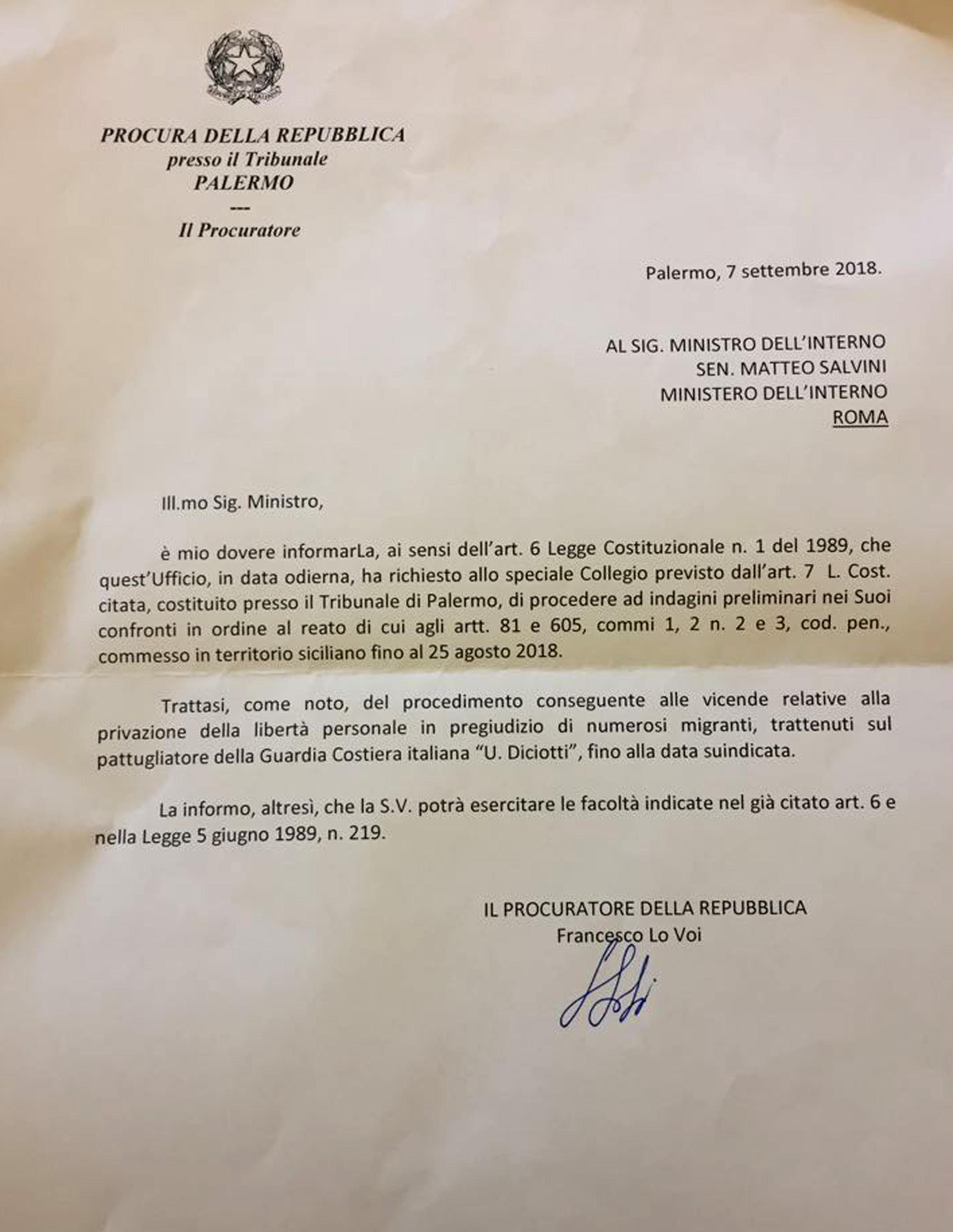 La lettera ricevuta dal ministro Salvini (Ansa)