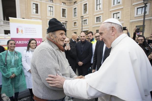 Apertura di un presidio sanitario per poveri in Vaticano