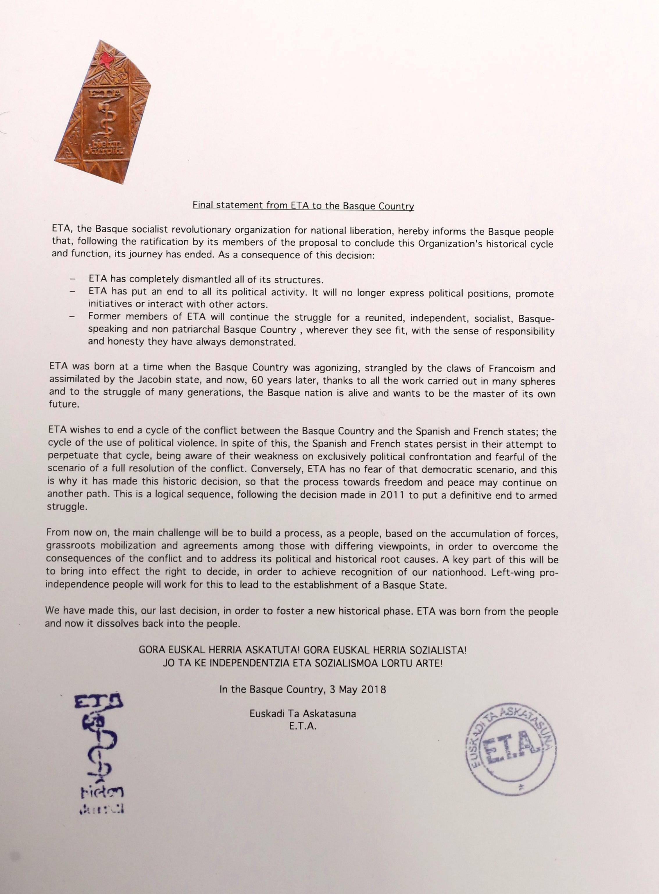 La lettera inviata ai media spagnoli il 3 maggio con la dichiarazione 'finale' dello scioglimento dell'Eta (Ansa)