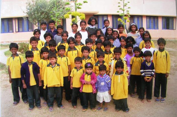 Una delle scuole fondate da Pedrollo in India. Garantisce un futuro a migliaia di piccoli