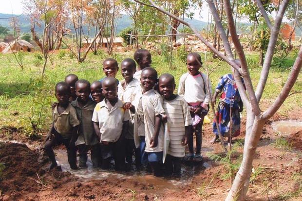 Tanzania: grazie all'acqua pulita non muoiono più