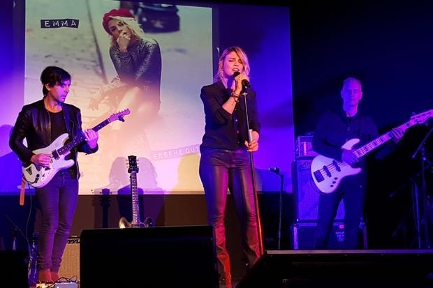 Emma Marrone stamattina a Milano durante la presentazione del suo nuovo album 'Essere qui' (foto A. Calvini)