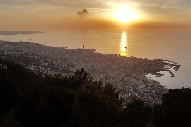 La periferia di Beirut al tramonto (foto Gambassi)