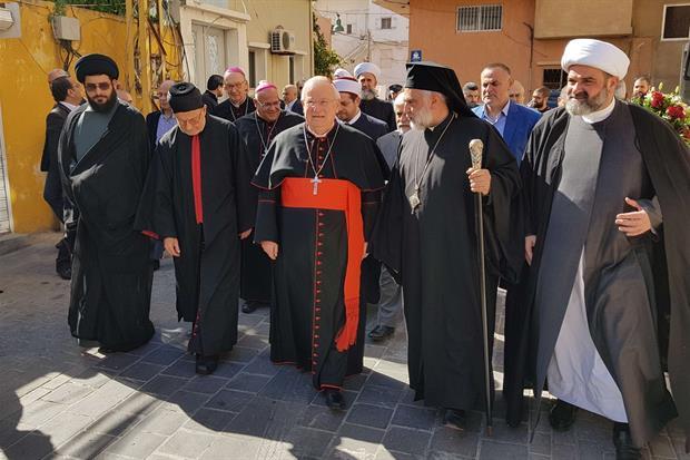 L'incontro del cardinale Bassetti con i leader religiosi e politici a Tiro (foto Gambassi)