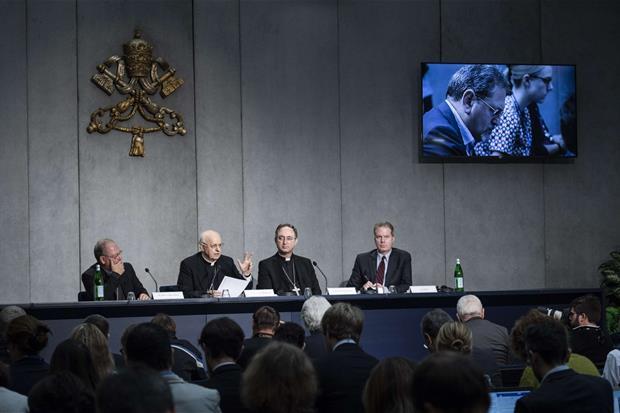 La presentazione del Sinodo (Siciiani)