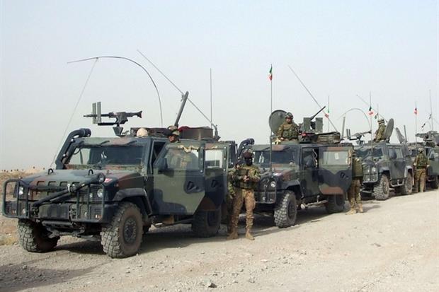 Mezzi italiani nella provincia di Herat (Ansa)