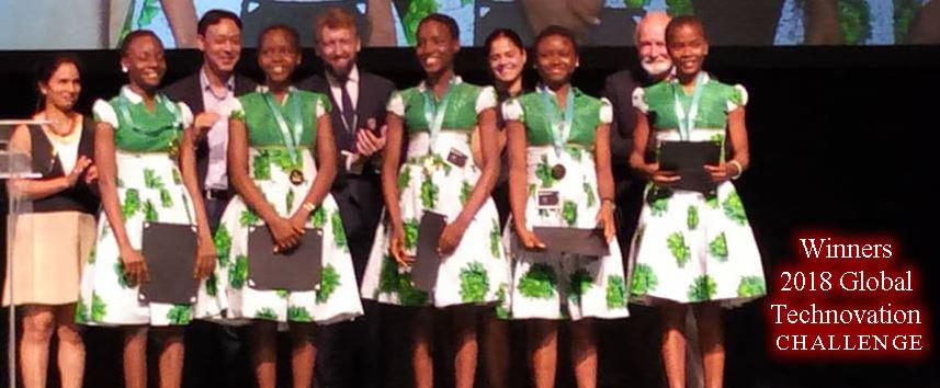 Le ragazze della Regina Pacis premiate a San Francisco (dal sito della scuola)