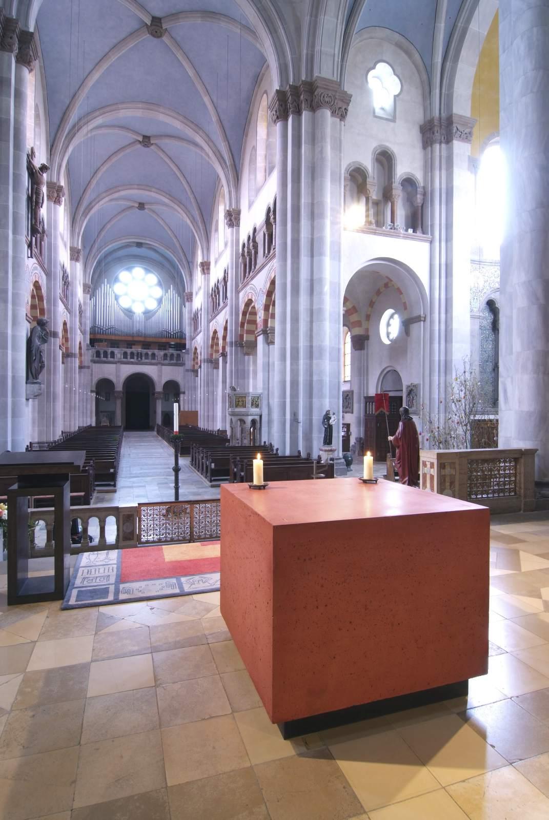 Altare della chiesa di St. Benno a Monaco di Baviera