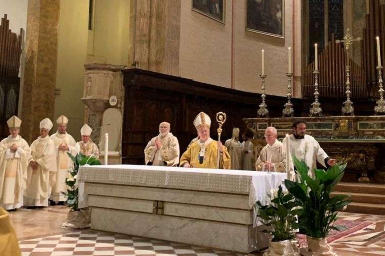 La Messa a Perugia per i 25 anni di ordinazione episcopale del cardinale Bassetti