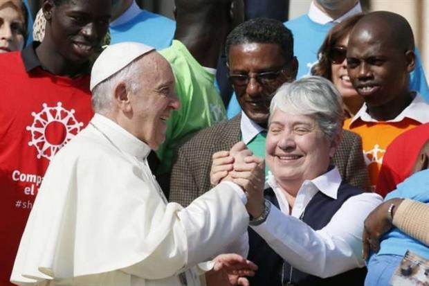 Suor Norma Piemental con papa Francesco (Agenzia Sir)