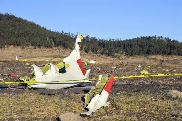 Il luogo dell'impatto con l'aereo della Ethiopian Airlines (Ansa)