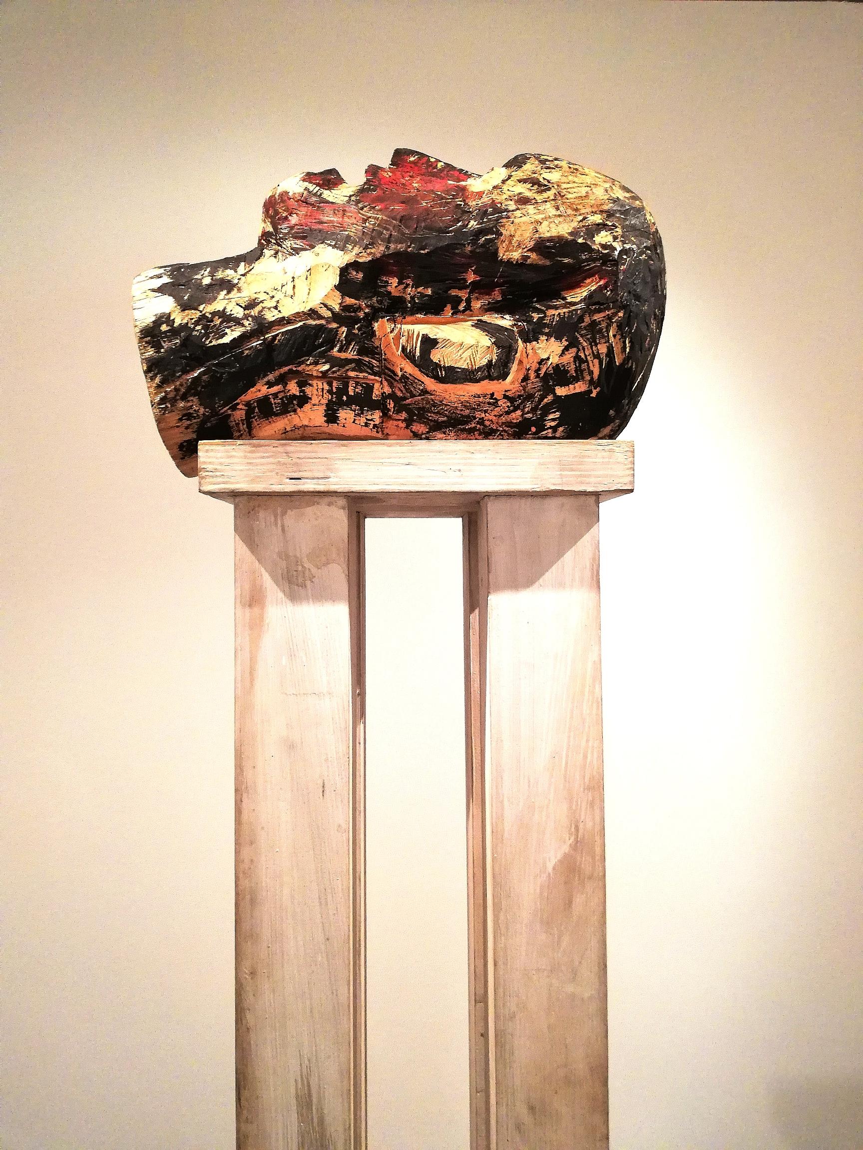 """Georg Baselitz, """"Testa"""" (legno dipinto, 1979-84)"""