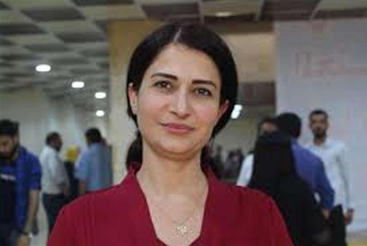 Hevrin Khalaf, 35 anni, segretaria generale del Partito Futuro siriano, uccisa sabato sera (Ansa 'Twitter)