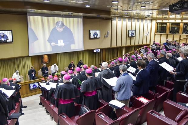 Papa Francesco apre in Vaticano il summit contro gli abusi il 22 febbraio 2019 (Siciliani)
