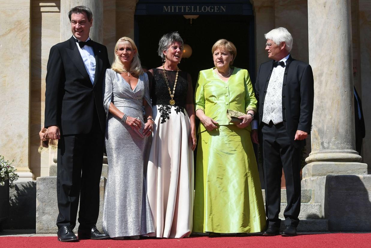 """La cancelliera Angela Merkel alla prima di """"Tannhäuser"""" al Festival wagneriano di Bayreuth (foto Ansa)"""