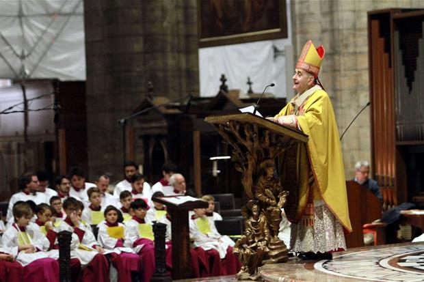 Milano: Delpini pronuncia l'omelia dal pulpito della Cattedrale (Fotogramma)
