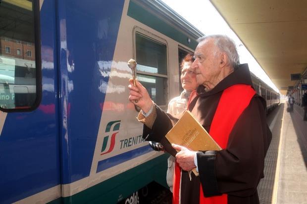 La benedizione ai viaggiatori e al treno (Juzzolino)