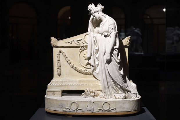 Antonio Canova, bozzetto per il monumento a Vittorio Alfieri, in mostra a Milano (Flavio Lo Scalzo)