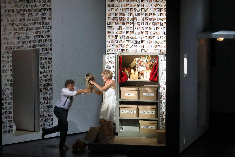 """""""Die tote Stadt"""" (La città morta) all'Opera di Stato di Monaco di Baviera (foto Hösl)"""