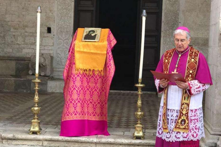 La benedizione dell'arcidiocesi di Spoleto-Norcia con la Santissima Icone