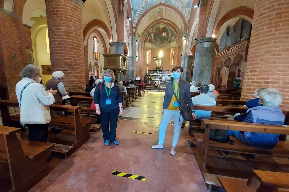 L'accoglienza per le Messe 'sicure' nella chiesa di Crescenzago a Milano