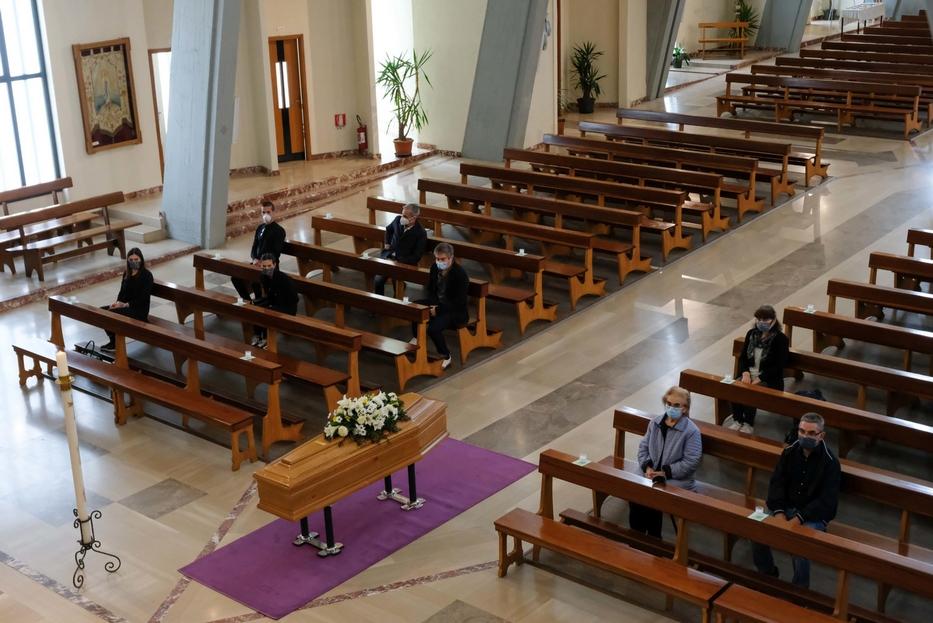 La celebrazione di un funerale
