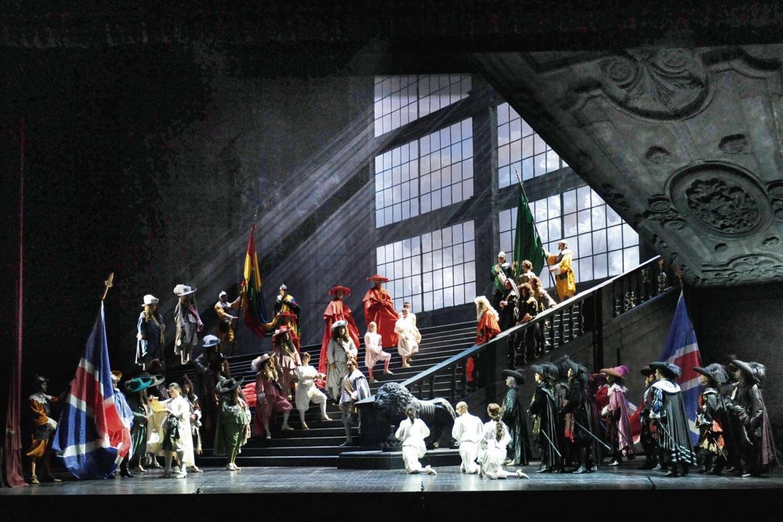 'Un ballo in maschera' in scena al teatro Petruzzelli di Bari