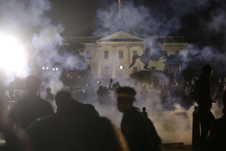 Le proteste hanno raggiunto l'area della Casa Bianca a Washington