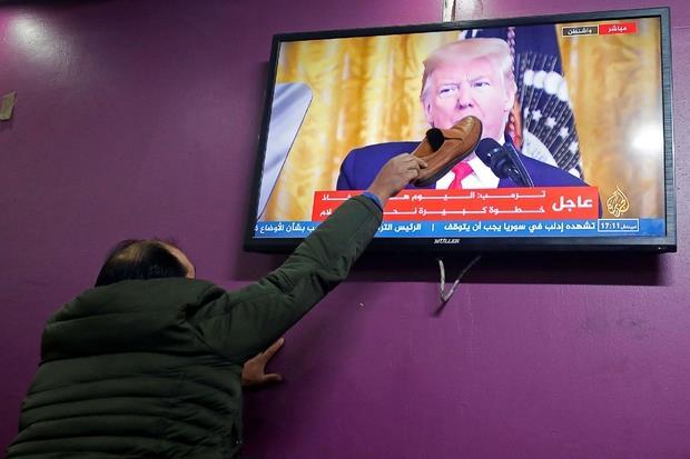 L'annuncio di Trump seguito in tv nel mondo arabo