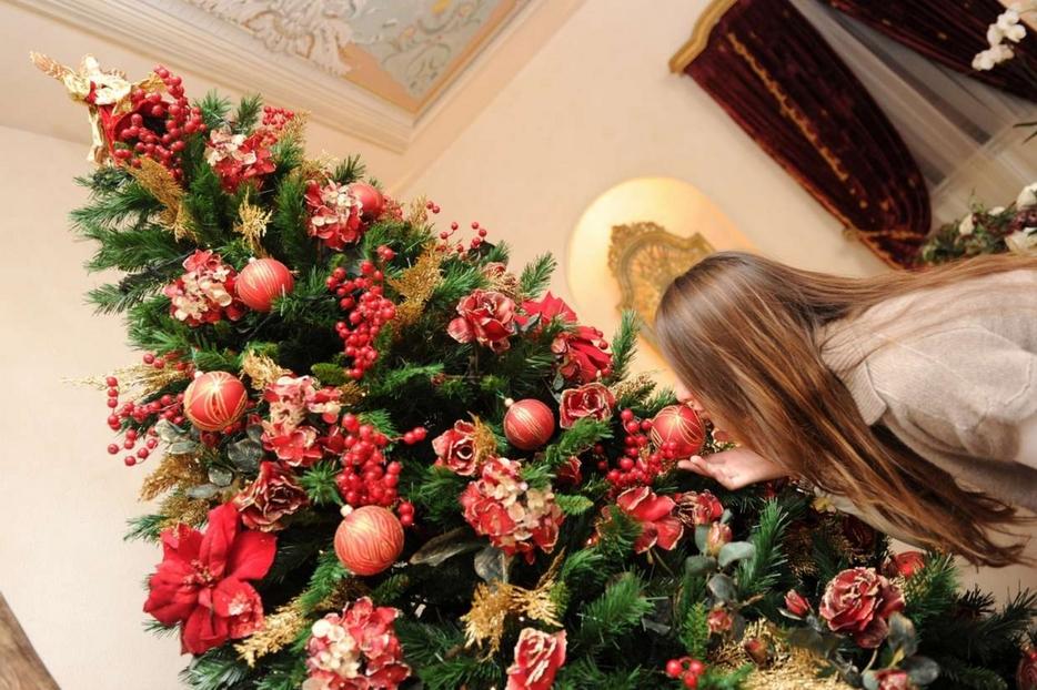L'albero di Natale in un'abitazione
