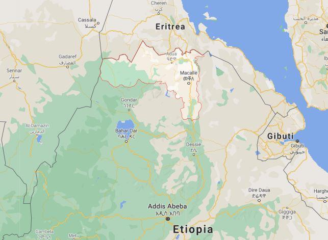 A nord l'Eritrea, a sud l'Etiopia. Contornata in rosso, la regione etiope del Tigrai