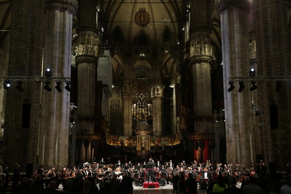 Nel Duomo di Milano il Requiem eseguito dall'orchestra e dal coro del Teatro alla Scala